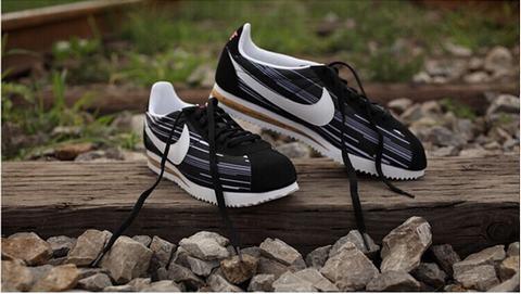 Nike Cortez Femme chaussure Classic Blanc Noir nike w8n0OXkP